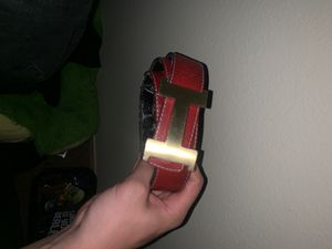 Hermes Black and Red reversible gold buckle for Sale in Bonney Lake, WA