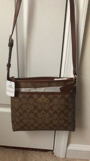 Coach Crossbody purse for Sale in Elkridge, MD