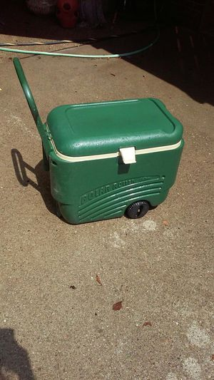 Igloo Polar Roller Cooler for Sale in Pittsburgh, PA