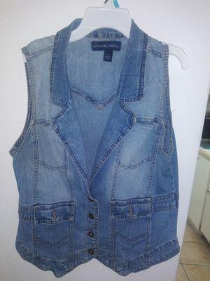 Women's Bandolino denim vest size large for Sale in Miami, FL