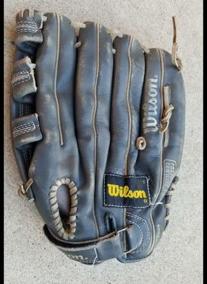 Left-handed baseball / softball glove for Sale in Kalispell, MT