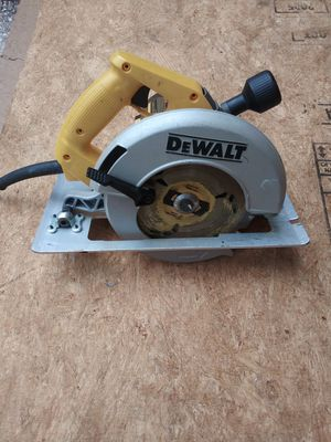 Dw364 Circular saw&2 Diablo blades for Sale in Orlando, FL