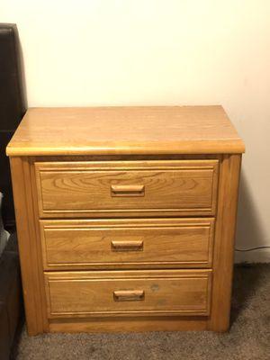 Dresser w/ 3-drawers for Sale in Salt Lake City, UT
