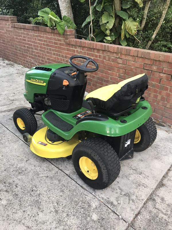 Garage Kept John Deere L100 Tractor 42 Inch Riding Lawn