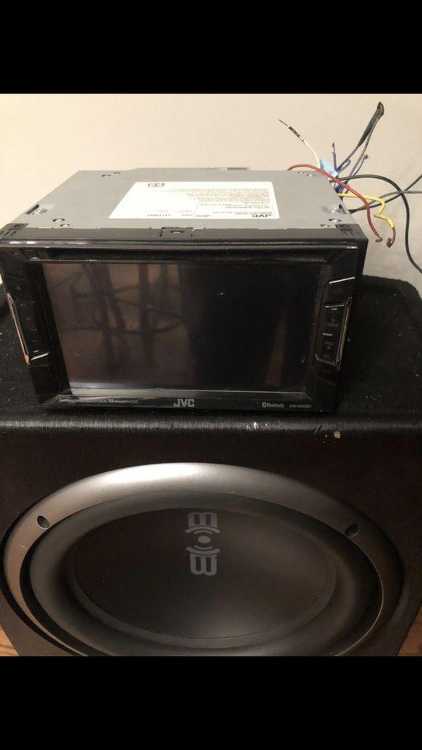 DVD y bocina de 1200 w en muy buenas condiciones
