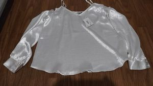 New Bella Sky shiney off the shoulder top size large for Sale in Rancho Cucamonga, CA