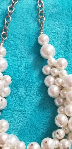 Cluster Pearl (Faux) Statement Necklace for Sale in Yakima,  WA