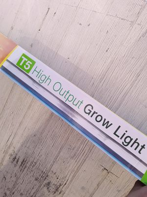 T5 High Output Growing Light 4ft for Sale in Rosemead, CA
