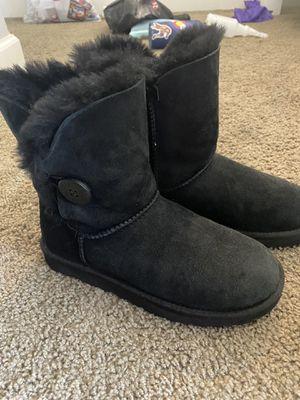 Women's Uggs size 7 for Sale in Chandler, AZ
