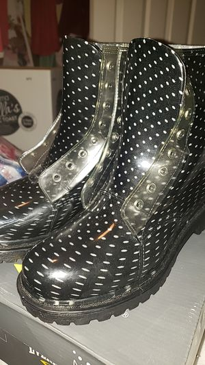 Rain boots size (9) for Sale in Jurupa Valley, CA