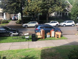 Free stuff in SE PDX until 4pm today! for Sale in Portland, OR
