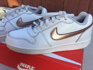 Nike shoes size 7 for Sale in Fresno, CA