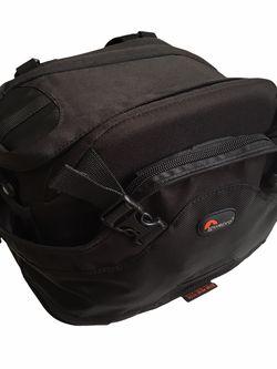 Lowepro Camera Beltpack with Padded Shoulder Strap for Sale in Scottsdale,  AZ