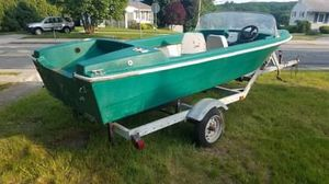Johnson boat very reliable boat with very reliable trailer trailer is in good condition can barely feel it behind you when you're pulling it for Sale in Tiverton, RI