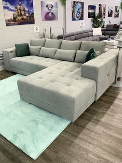 Sectional sofa with sleeper for Sale in Elk Grove Village,  IL