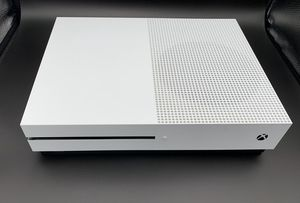 XBOX ONE S 1TB LIKE NEW for Sale in Poway, CA