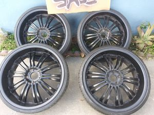 22 inch rims buy or trade for Sale in Los Angeles, CA