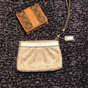 Coach Wristlet And Wallet for Sale in Kirkland, WA