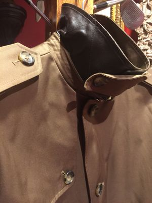 Brand new from Saks Fifth Avenue Michael Kors raincoat trench coat for Sale in Chicago, IL