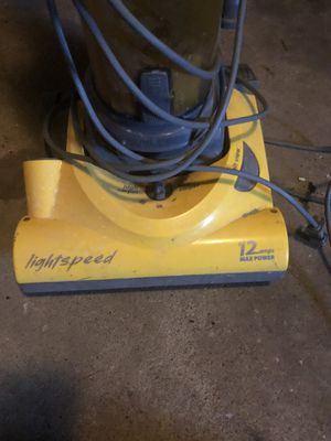 Eureka light speed 12 amps vacuum cleaner for Sale in Kilgore, TX