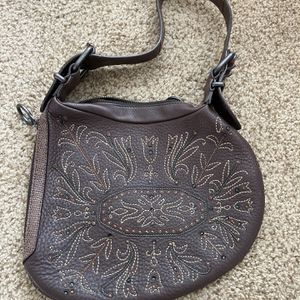 Authentic Fendi Oyster shoulder bag brown leather for Sale in Palo Alto, CA