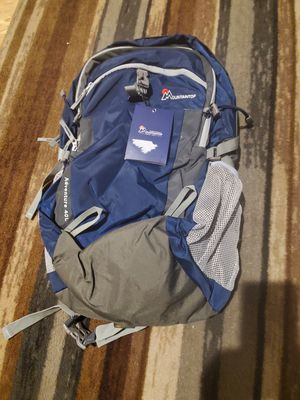 MOUNTAINTOP ADVENTURE 40L BACKPACK HIKING NEW WITH TAGS! LOOK! for Sale in Atwater, CA