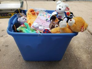 Box of TY beanie babies for Sale in Pflugerville, TX