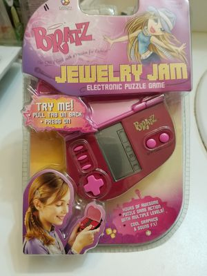 Bratz Jewelry Jam Electronic Handheld Game MGA Block Blitz Puzzle for Sale in Somers Point, NJ