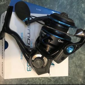Quantum Smoke PT 40 fishing spinning reel 3 series Brand new in box for Sale in Tampa, FL