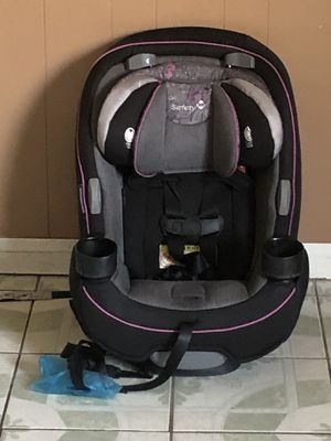SAFERY 1ST CONVERTIBLE CAR SEAT 3 in 1 for Sale in Riverside, CA