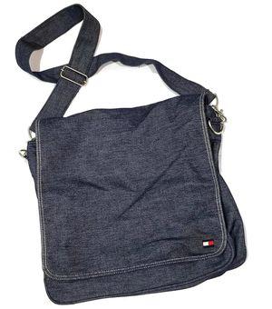 Tommy Hilfiger messenger bag for Sale in Las Vegas, NV