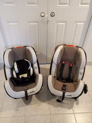 2 Symphony 65 convertible car seats for Sale in River Grove, IL
