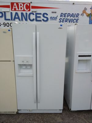 Whirlpool side-by-side refrigerator for Sale in Tampa, FL