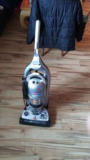 Bissell Lift-Off multcyclonii- vacuum cleaner for Sale in Carlsbad, CA