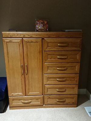 Bedroom Set with Queen Size Bed for Sale in Kenmore, WA