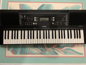 Yamaha PSR-E-363 61-Key Touch Sensitive Portable Keyboard for Sale in Rialto, CA