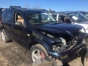 2001 Mercedes ML 320 for parts Only! for Sale in Fresno, CA