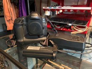 Canon EOS-1 Ds digital. Massive full frame camera :) for Sale in Ocean Shores, WA