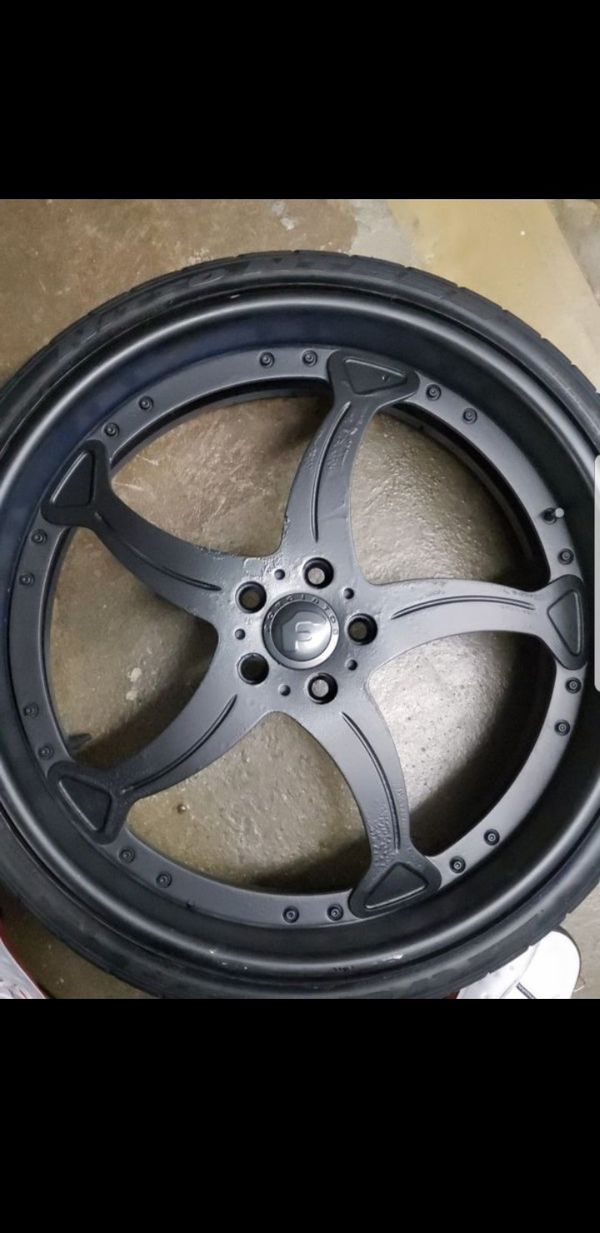 """22"""" Staggered Forgiato Rims Wrapped Matte Black Deep Dish Chrome Lips Great Tires"""