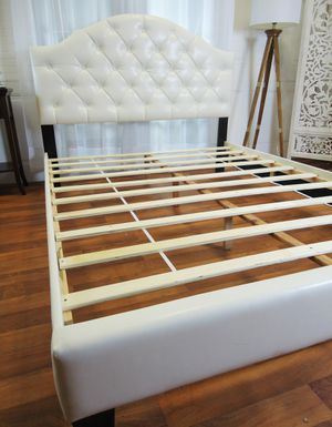 White queen bed frame Tufted headboard for Sale in Baltimore, MD