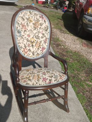 Beautiful antique rocker for Sale in Birmingham, AL