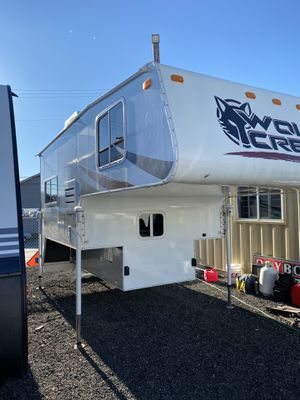2015 Wolf creek 850 truck camper for Sale in Tacoma, WA