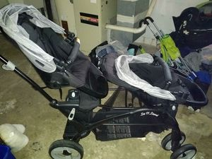 Double stroller for Sale in Alliance, OH