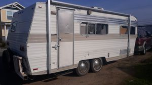 Vintage Travel Trailer 27' for Sale in McCarran, NV