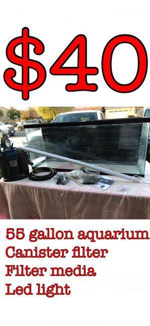 55 gallon aquarium fish tank terrarium for Sale in Bakersfield, CA