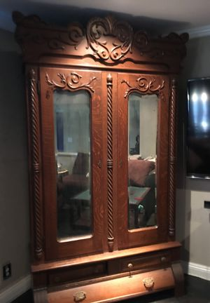 Antique armoire with skeleton key. for Sale in Ontario, CA