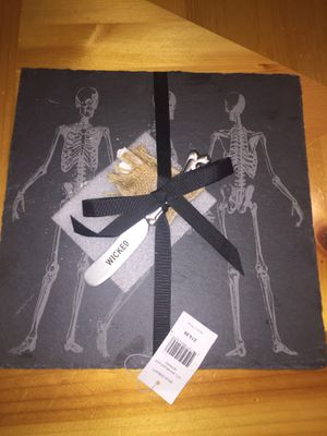 Halloween slate plate paid $15 willing to sacrifice eight dollars for brand new for Sale in Millbrae, CA