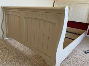 Beautiful bed with boxspring and mattress for Sale in Salinas, CA