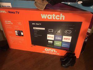 """Onn + Roku 4K 58"""" Smart Tv for Sale in Waterloo, IA"""
