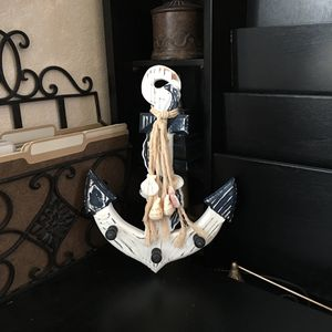 """(30% off pick up) NAUTICAL 13.5"""" x 9.5"""" Wood WALL HOOK Ship ANCHOR Decor Distressed WHITE+BLUE Sea for Sale in Las Vegas, NV"""